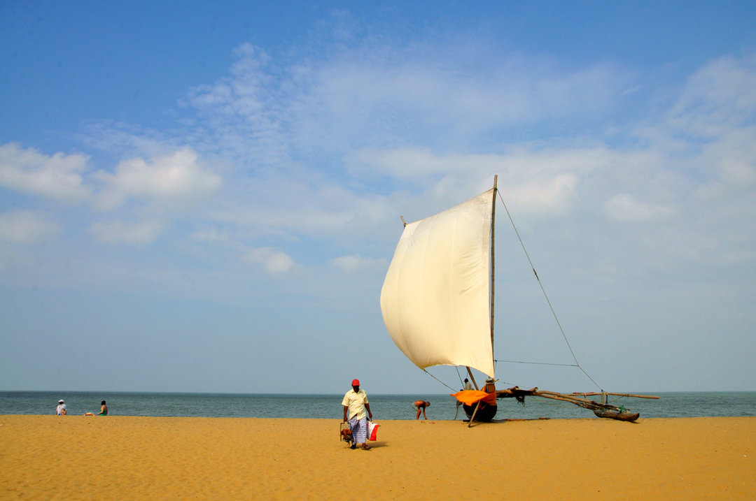 Negombo-Beach-catamaran-boats