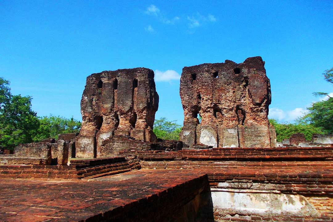 Polonnaruwa-Royal-Palace
