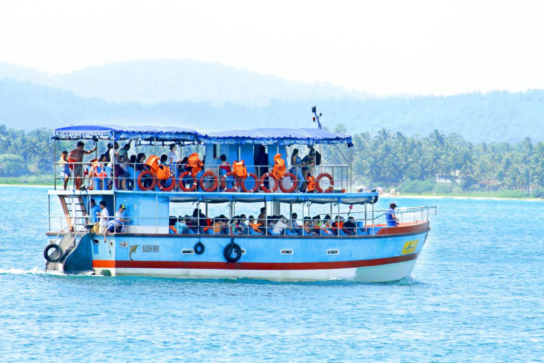 mirissa-whale-watching-jaga-boat