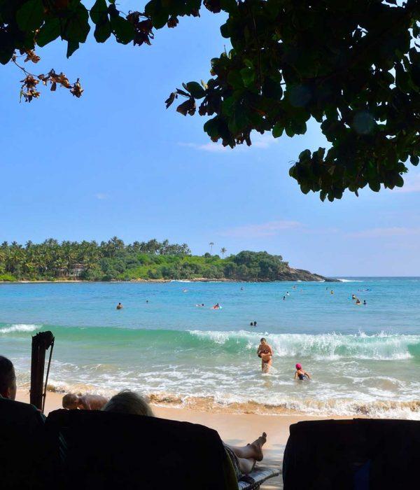 Unawatuna beach leisure